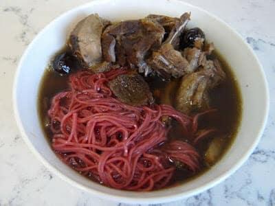 紅麴麵料理- 紅麴藥膳麵線 - 1