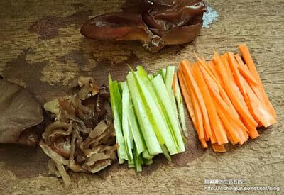 [下廚]三風麵館藍藻麵創意料理DIY。日式涼麵&台式炒麵~今天你想吃哪一道 - 4