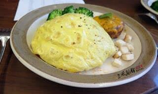 山東拉麵料理食譜-番茄蛋包麵佐起司漢堡排 - 1
